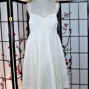 WHITE COCKTAIL SUN DRESS, 16 PLUS NWT TORRID
